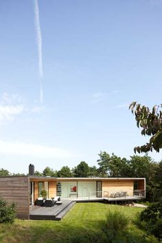 Villa Ladybird / Johan Sundberg (6) (via Gau Paris)