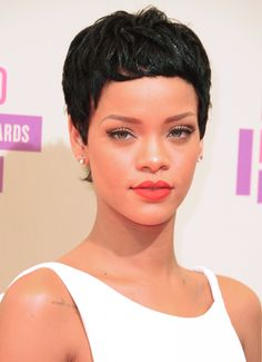 Elegant Pixie - Short Black Hairstyles for Women If you love showing off your cosmetics skills, a closely-cropped style like Rihanna's keeps your morning hair routine to a minimum while featuring your lovely eye makeup and lipstick. Best Short Haircuts, Short Hairstyles For Women, Cool Hairstyles, Very Short Hair, Short Hair Cuts, Short Hair Styles, Pixie Cuts, Straight Black Hair, Thin Hair