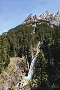 Haslital & Brienzersee: 7 Ausflugstipps rund um Meiringen-Hasliberg Baker Street, Superwholock, Mount Rainier, Sherlock Holmes, Jim Moriarty, Sherlock John, Switzerland, Road Trip, Hiking