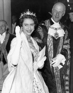 rare and unseen photos of princess diana Princesa Margaret, Royal Princess, Princess Charlotte, Queen Mary, Queen Elizabeth Ii, Queen's Sister, Queen Victoria Family, Margaret Rose, British Monarchy History