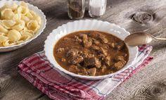 Rychlý hovězí guláš Polish Recipes, Polish Food, Soup For The Soul, Stew, Curry, Spices, Dishes, Meat, Vegetables