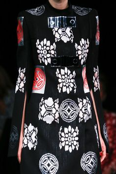 Alexander McQueen Spring 2015 Ready-to-Wear - Collection - Gallery - Style. 676f28955b69