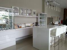 Cozinha branquinha. Kitchen all white.