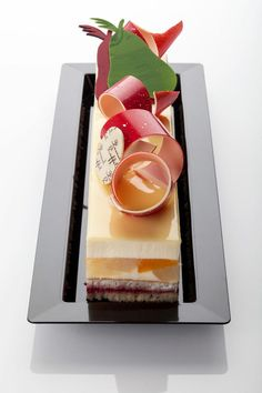 La gamme d'entremets: Gourmet Desserts, Plated Desserts, Gourmet Recipes, Delicious Desserts, Dessert Recipes, Elegant Desserts, Beautiful Desserts, Fancy Desserts, Patisserie Fine