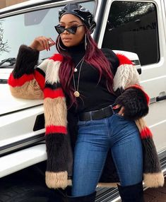 Layers....because it's winter in the southern hemisphere. SA sweetheart Bonang Matheba [@bonang_m] keeping warm stylishly from head to toe! Aweh South Africa!  #StyleRave. . Be sure to follow @StyleRave_  and turn on your Notification . . Visit StyleRave.com  for the latest in fashion beauty lifestyle and culture. . Follow @stylerave_  Follow @stylerave_ . . Disclaimer: Photo(s) remains intellectual property of the tagged/original owners. Style Rave stamp is a nod that the looks are SR certified Outfits Otoño, Cute Fall Outfits, Outfits With Hats, Winter Fashion Outfits, Cute Fashion, Autumn Winter Fashion, Fall Fashion, Fashion Beauty, African Street Style