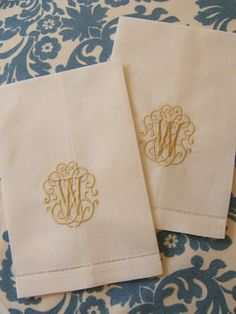 leaf monogrammed embroidered cloth napkins / set of 4