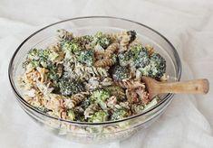 Best pasta salad Broccoli Pasta Salads, Best Pasta Salad, Pasta Salad Recipes, Clean Eating Snacks, Healthy Eating, Parmesan Pasta, Cooking Recipes, Healthy Recipes, Gastronomia