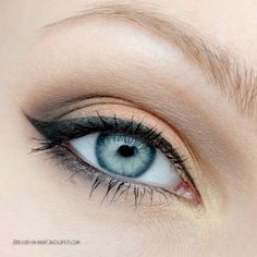 kind of a smokey eye with a winged eyeliner that makes the eye color pop