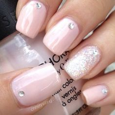 Light Pink Nails with Glitter Accent and Rhinestones - prom nails Trendy Nails, Cute Nails, Casual Nails, Hair And Nails, My Nails, Light Pink Nails, Pink Light, Nail Pink, Beige Nails