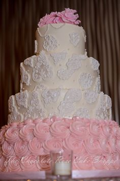 Victorian pearls and lace themed wedding cake