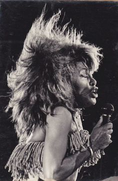 Tina Turner 1988 in Rio Tina Turner, Rock Queen, Queen Pictures, Music Icon, Female Singers, Music Stuff, Art World, Famous People, Blues