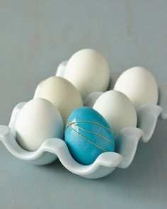 Easter Egg Ideas: Sometimes, simplicity is enough to make a statement -- especially when your accent of choice looks like homespun golden thread.