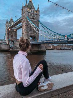 6 nostalgische Orte in Paris Tourism tourism england London Photography, Photography Poses, Travel Photography, Fashion Photography, Photography Tutorials, London Pictures, London Photos, England Tourism, Poses Photo