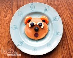 Tummy Growling Breakfast Bear - Healthy breakfast for kids with natural peanut butter, whole wheat pancake and fruit.