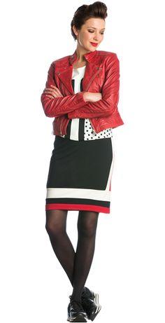 T-shirt met pailletten en stippen, Rood leren bikerjacket & Aansluitende rok zwart rood crème Sao Paulo #fashion #milan #tshirt #stippen #pailletten #rood #bikerjacket #leer #rok #inspiration #FW15 #kennedyfashion #saopaulofashion