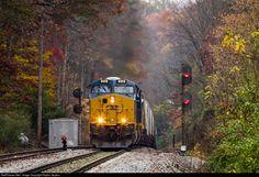 RailPictures.Net Photo: CSXT 3172 CSX Transportation (CSXT) GE ES44AC at Kilsyth, Tennessee by Peyton Gupton