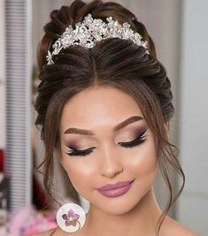Amazing Wedding Makeup Tips – Makeup Design Ideas Wedding Makeup Tips, Natural Wedding Makeup, Bridal Hair And Makeup, Bride Makeup, Prom Makeup, Wedding Hair And Makeup, Hair Makeup, Bridesmaid Makeup, Makeup For Quinceanera