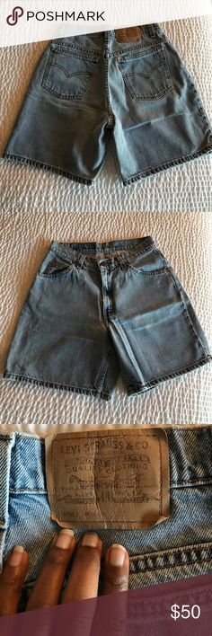 """Vintage Levi's Relaxed Fit Jean Shorts Pre-Loved and excellent condition. Juniors size 7. 967 relaxed fit. Waist 28"""", Rise 10.75"""", Length 16.5"""" orange tab Levi's Shorts Jean Shorts"""