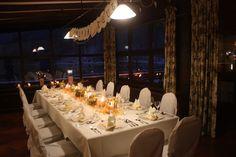 Kleine Winterhochzeit im Seehaus am Riessersee, Jagdstüberl des Riessersee Hotel Resort Garmisch-Partenkirchen - Winter wedding dinner in Garmisch, Bavaria, Germany