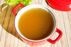 How to Make Homemade Stock or Broth - plus the benefits of drinking bone broth - DontMesswithMama.com