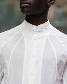 White blouse with great seam lines White blouse with great seam lines Fashion Mode, Mens Fashion, White Shirt Men, White Shirts For Men, Mens Kurta Designs, Mens Designer Shirts, Fashion Details, Fashion Design, Mode Inspiration