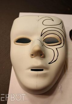 While a Death Eater mask certainly isn't the nicest thing to look at, this cool DIY will undoubtedly come in handy for Halloween or cosplay functions. Heck, they even make for some pretty cool wall decor if you don't spook easily.