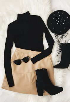Kopf der Klasse Brauner Cord-Minirock Head of the Class Brown Corduroy Mini Skirt Mode Inspiration Stil Casual Winter Outfits, Trendy Outfits, Fall Outfits, Chic Outfits, Girly Outfits, Summer Outfits, Winter Outfits With Skirts, Mini Skirt Outfits, Dress Outfits