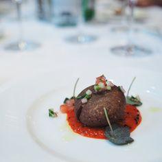 Indian Fine Dining mit Alfred Prasad im Widder Hotel Zürich Alfred Prasad, Hotel Food, Fine Dining, Steak, Indian, Dinner, Aries, Steaks