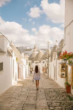 The Londoner Alberobello Puglia Places To Travel, Places To Go, Travel Diys, Travel Destinations, Alberobello Italy, Verona Italy, Venice Italy, Italy Travel Tips, Southern Italy