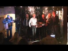 Coda singing 'Mad World' by Tears for Fears at DC Music Club Dublin