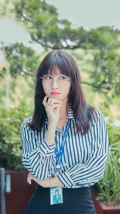 Kpop Girl Groups, Korean Girl Groups, Kpop Girls, Twice Momo Wallpaper, Twice Photoshoot, Twice Fanart, Sana Momo, Tzuyu Twice, Hirai Momo
