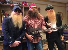 Dusty & Billy on the set of Duck Dynasty with Willie Robertson!