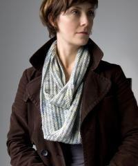 Free Knitting Pattern - Scarves: Opul Infinity Scarf