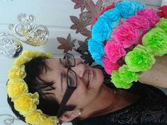 Aula 5 - Como fazer arcos de cabelo com flores de papel crepom. Por Fáti...