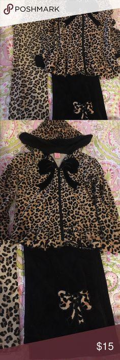 Girls 6x leopard bundle Lightly used Matching Sets
