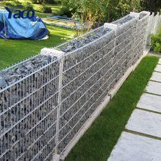 89 Best Gabion fence design for garden ideas Gabion Stone, Gabion Box, Gabion Cages, Gabion Retaining Wall, Gabion Baskets, Stone Fence, Backyard Fences, Backyard Landscaping, Gabion Wall Design