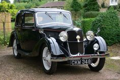 1935 Riley 9hp Merlin Saloon --- I like this compact car :)