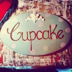 cupcake   placas piba puppet   em madeira