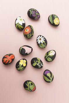 DIY Botanical Easter Eggs