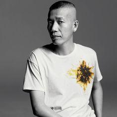 Cai guo-qiang, born in 1957 in quanzhou City, Fujian, Chine Installation artist