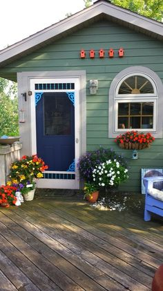 Check out the beautiful colors in Author Barbara Techel's Walk 'N Roll Tiny Writing Cottage (and her writing soars--go read her blog!). | Tiny Homes