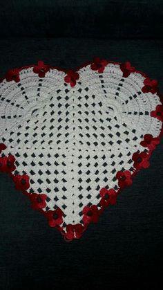 Crochet Toys - How to do cut work using soldering iron on a Kanchipuram saree Crochet Quilt, Crochet Home, Crochet Motif, Crochet Doilies, Crochet Stitches, Crochet Shawl, Knit Crochet, Crochet Flower Patterns, Doily Patterns