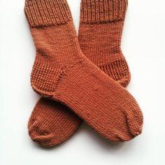 Selbstgestrickte Merino-Socken. von Strickparadies2015 auf DaWanda.com