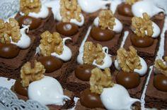brownies Brownies, Cereal, Breakfast, Wedding, Cake Brownies, Morning Coffee, Corn Flakes, Breakfast Cereal