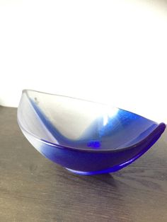 Måleras/crystal/bowl/Vintage/Mats Jonasson /dish /SWEDEN /Scandinavian Bowl Designs, Serving Dishes, Scandinavian Style, Sweden, Decorative Bowls, Glass Art, Art Pieces, Blue And White, Ceramics