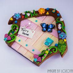 Magic Fairy Door Model Orquidea // Puerta por imaginebylozoya Pyrography Tools, Iphone 6 Wallet Case, Jumping Clay, Clay Fairies, Fairy Doors, Girl Cakes, Polymer Clay Crafts, Tooth Fairy, Fairy Houses