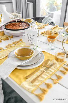 Ramadan Sweets, Ramadan Gifts, Ramadan Recipes, Ramadan Meals, Dining Table Decor Everyday, Eid Food, Eid Crafts, Eid Party, Kitchen Ornaments