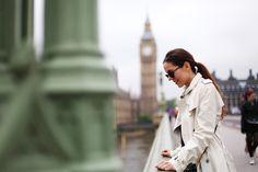 Impermeabile Burberry a Londra: tra cliche' e Westminster
