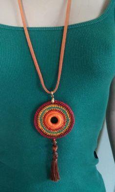 Best 12 Medallion necklace denim with orange flower crochet by DIDIcrochet, – SkillOfKing. Crochet Ornaments, Crochet Crafts, Crochet Projects, Crochet Jewelry Patterns, Crochet Accessories, Textile Jewelry, Fabric Jewelry, Crochet Bracelet, Crochet Earrings