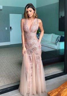 Image may contain: 1 person, standing Pretty Dresses, Sexy Dresses, Beautiful Dresses, Formal Dresses, Gala Dresses, Couture Dresses, Evening Dresses, Looks Party, Vestidos Sexy